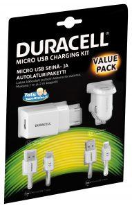 Duracell_MicroUSB_laturisetti_mukana_autolaturi.jpg