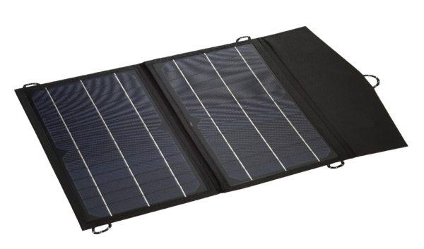 Kodak SP16 kannettava aurinkopaneeli levitettynä käyttöä varten