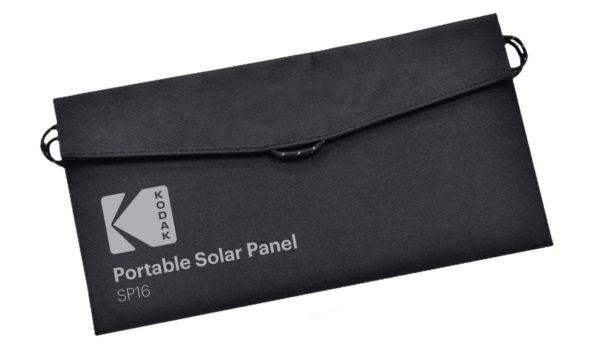 Kodak SP16 kannettava aurinkopaneeli pakattuna koteloonsa