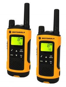 Motorola-TLKR_T80_EXTREME_radiopuhelin_pari.jpg