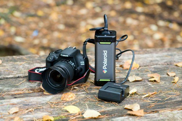 Polaroid-latausasema